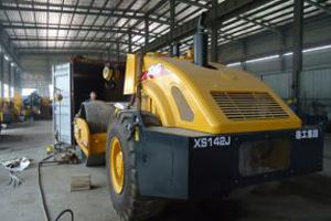 2 Units XCMG Road Roller XS142J Delivered To Russia In August
