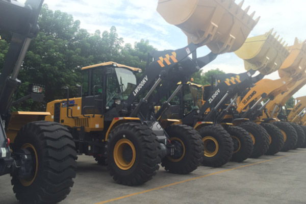 2-sets-of-lw300fv-wheel-loader-delivered-to-malaysia-in-december-1