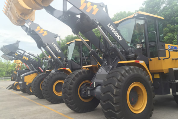 2-sets-of-lw300fv-wheel-loader-delivered-to-malaysia-in-december-2